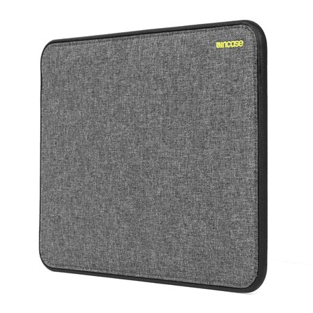 "Funda Incase Icon Tensaerlite MacBook Air 13"" Negro brezo"