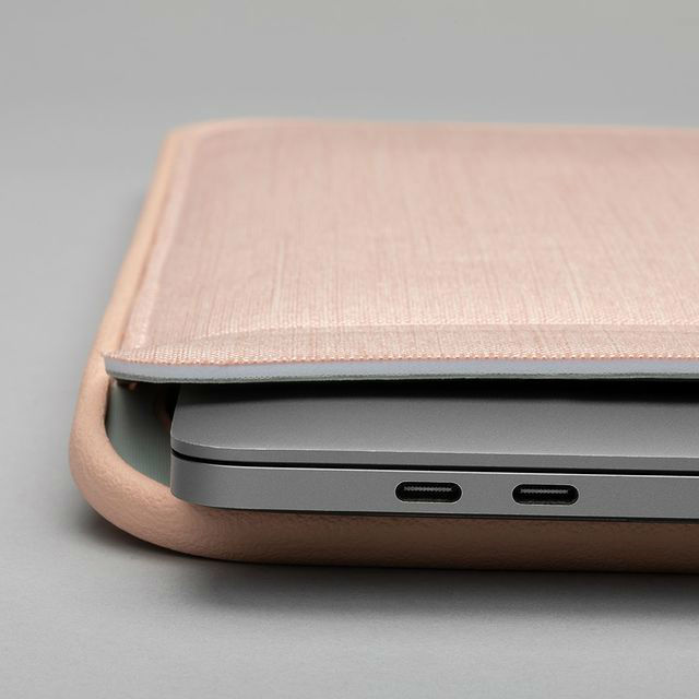 Funda icon Tensaerlite Incase MacBook Pro 16""