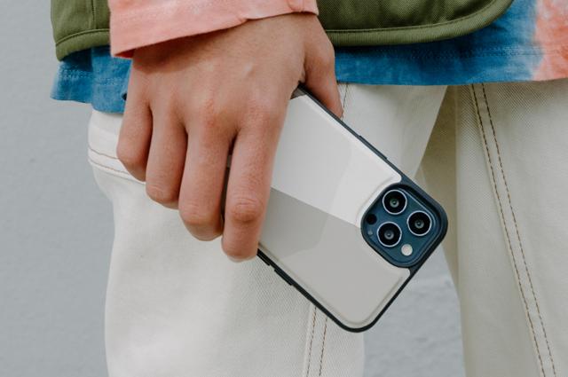 Funda piel Decoded Nike Grind iPhone 13 Pro