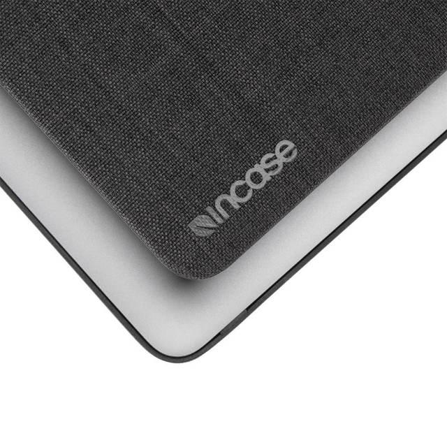 El acabado texturizado Woolenex es cómodo y agradable al tacto y presenta un acabado elegante.