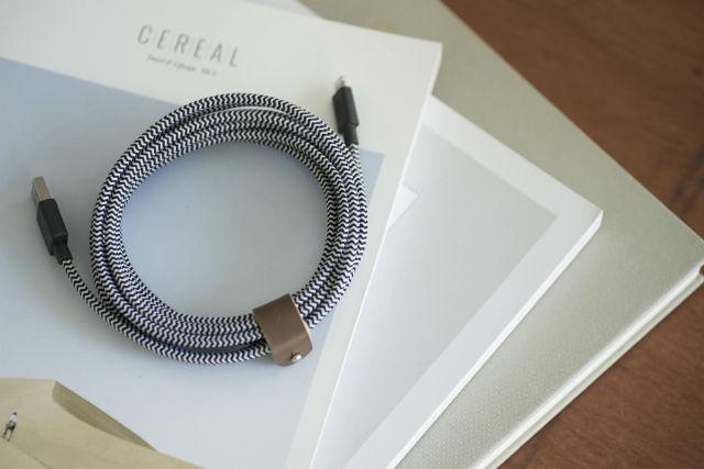 Native Union Belt Cable XL es un cable 3 metros Lighting para sentirte libre donde quieras.