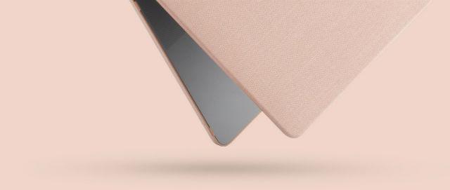 """Incase carcasa rígida MacBook Air 13"""" M1 & Retina con acabado Woolenex rosa"""