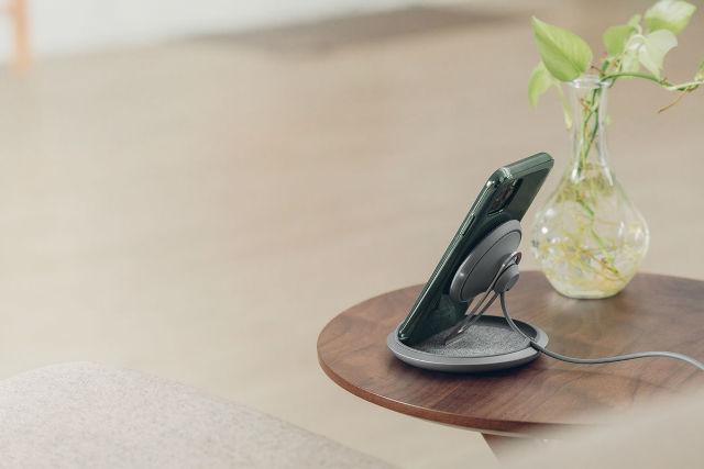 Cargador inalámbrico con altura ajustable Lounge Q de Moshi